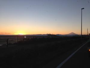 IMG_2196 夕焼け江の島と富士山
